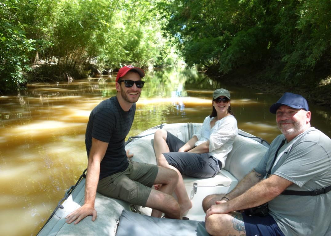 bboating in little stream in tigre