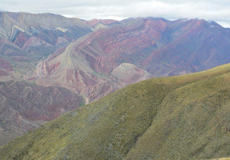 Serranía del Hornocal cerro de los 14 colores